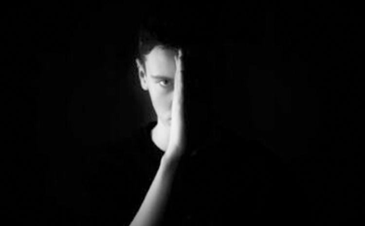Adolescenza: crisi per chi